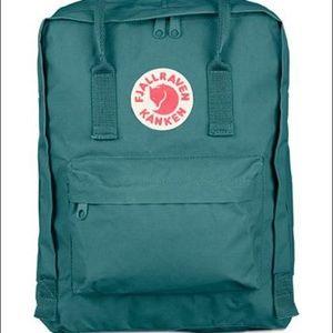 Fjallraven 🌊 Green: Original kanken backpack 🎒